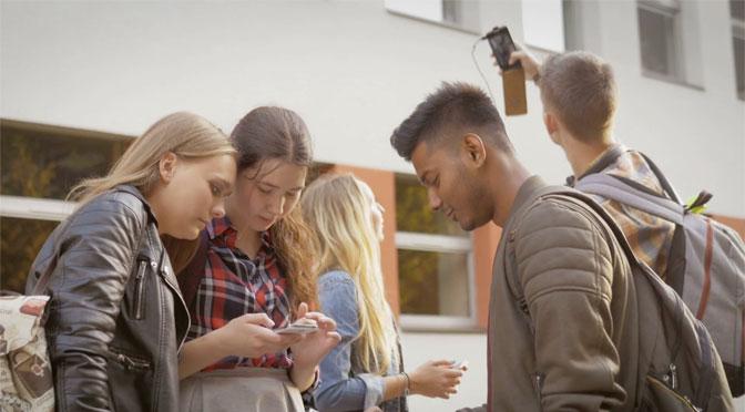 Portable à l'école : des députés déconnectés